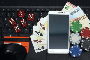 Im Online Casino und per kostenloser App mobile Slots, Poker, Blackjack, Ruolette spielen